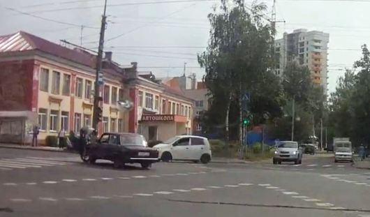 В Ижевске мотоциклист столкнулся с «семеркой»