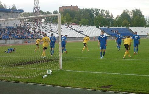 Матч между ижевским «Зенитом» и ульяновской «Волгой» закончился победным счётом 2:1