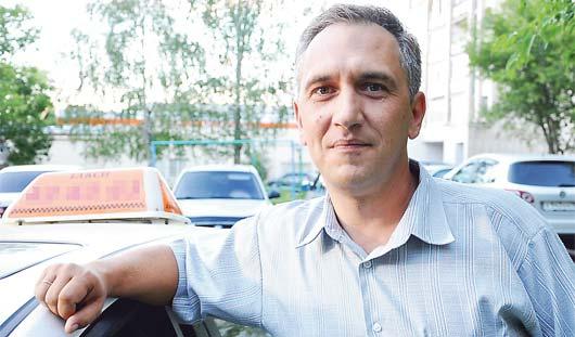 Ижевский таксист вернул 300 тысяч рублей забывчивому пассажиру
