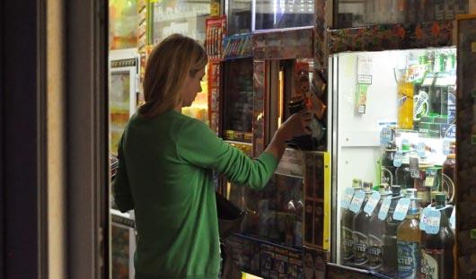 В российской Госдуме предложили продавать алкоголь только по банковским картам