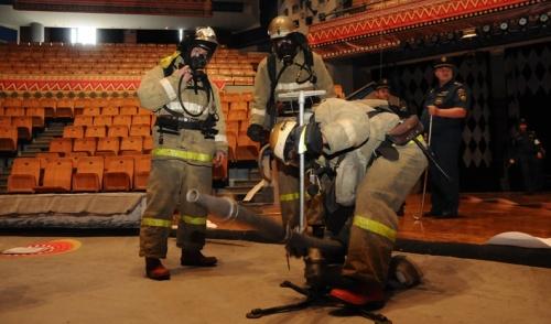 Фотофакт: в ижевском цирке прошли учения пожарных