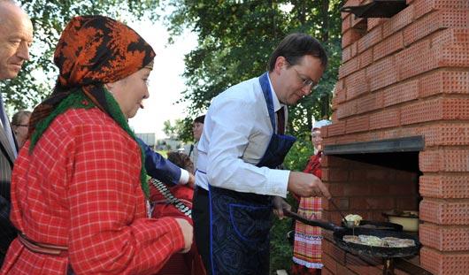 Министр культуры России испек перепечи с «Бурановскими бабушками»
