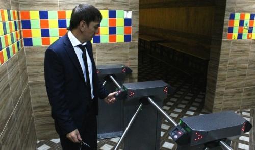 Фотофакт: в столовую 97 школы Ижевска теперь можно попасть по отпечаткам пальцев