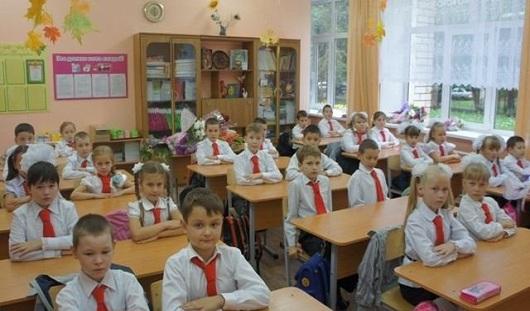 Школьная мода, парковка в подъезде и новое на дорогах: о чем утром говорят в Ижевске