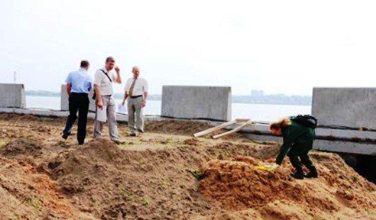 В грунте с набережной Ижевского пруда опять нашли яйца гельминтов