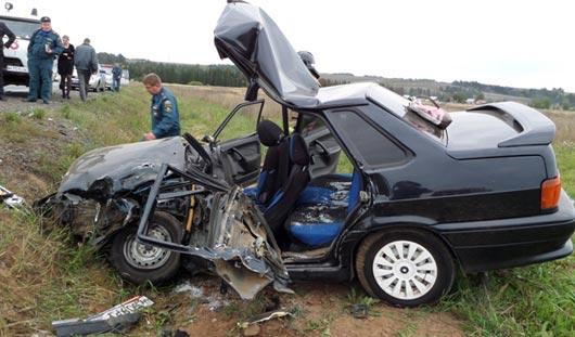 В Удмуртии в аварии погибли муж с женой, 2 детей остались сиротами