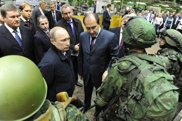 В Ижевске Путину презентовали новую боевую экипировку «Ратник»