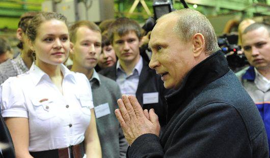 Путин в Ижевске: подарок Калашникову и президентское спасибо оружейникам