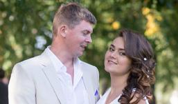 Ижевские молодожены: Знал свою жену с пяти лет