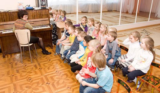 Многодетным семьям Ижевска вернули 50-процентную скидку на оплату детсадов