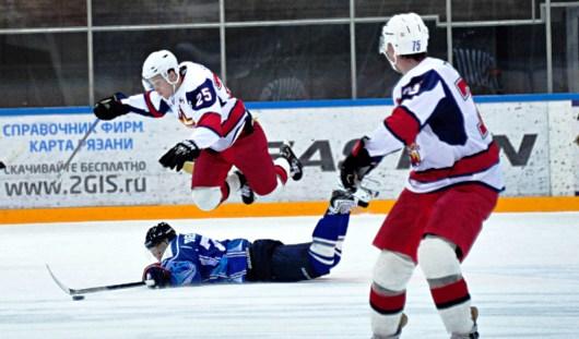 С победным счётом 5:4 закончился матч ижевcких хоккеистов в Рязани