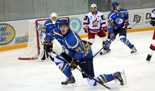 «Ижсталь» проиграла пензенским хоккеистам из ХК «Дизель»