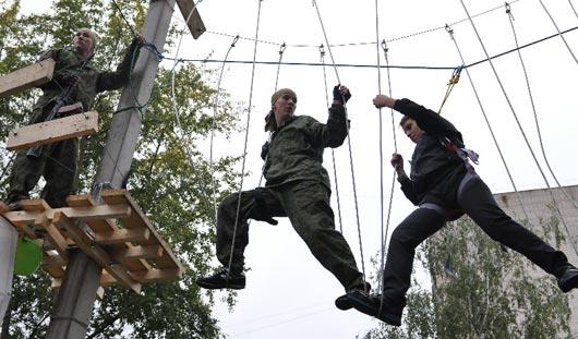 На базе Школы юных летчиков в Ижевске появился веревочный парк