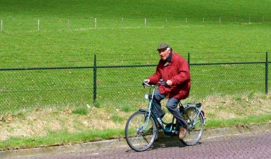 В честь месячника пожилых людей трое пенсионеров проехали 105 километров по дорогам Удмуртии