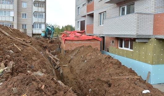 В Ижевске 2 строителей погибли под завалом в траншее