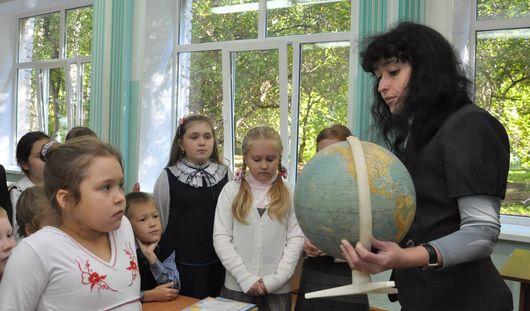 Оклад ижевских учителей вырастет до 9 тысяч рублей
