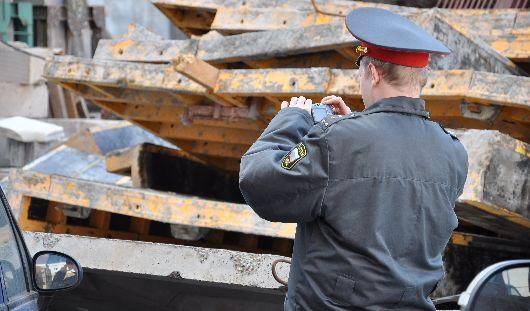 Ижевчане, на чьи машины упали бетонные плиты, ждут результатов экспертизы