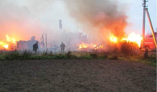 В Удмуртии 3 человека погибли при пожаре