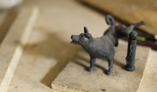 Скульптуры писающей собаки и гигантского малярного валика появятся в Ижевске