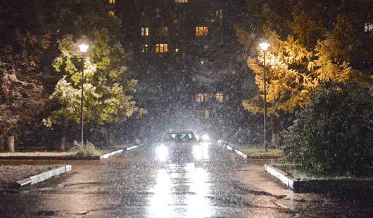 Фотофакт: в Ижевске прошел снег