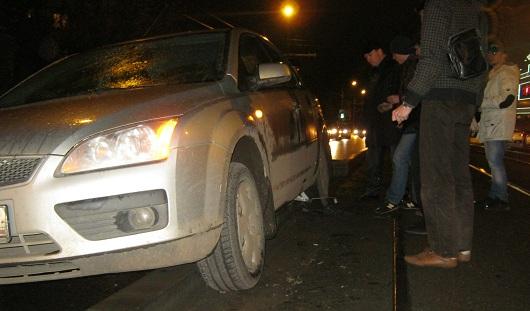 В Ижевске легковушка преградила путь трамваям на улице Ленина