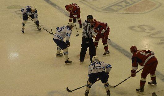 Долгожданная победа: ижевчане победили питерских хоккеистов со счётом 3:2