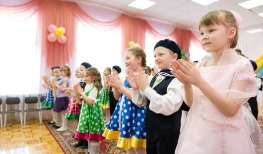 Дмитрий Медведев назвал Удмуртию лидером по введению мест в детсадах