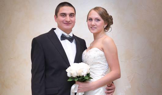 Ижевские молодожены: Будущие муж и жена 8 лет жили в одном подъезде