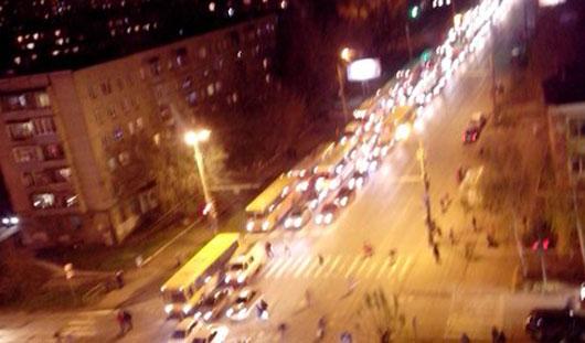 В Ижевске столкнулись КамАЗ и легковушка