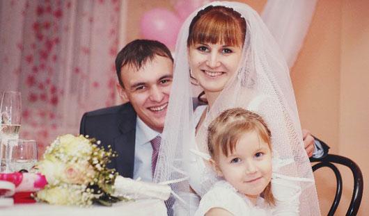 Почему ижевчанки спешат выйти замуж до 30 и с чем сталкиваются после