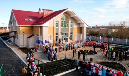 Президент Удмуртии открыл в Малой Пурге новую школу искусств