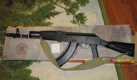 В США полицейские расстреляли 13-летнего подростка с игрушечным автоматом Калашникова