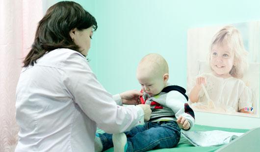 Могут ли родители находиться в больницах Ижевска с ребенком бесплатно?
