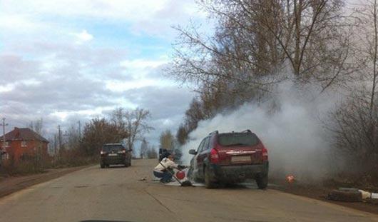 В Ижевске на ходу загорелась иномарка