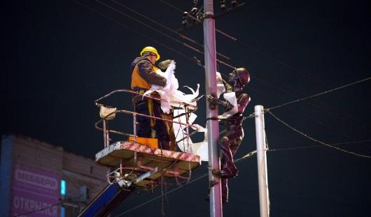 Электрик с воробьями и «кондуктороуин»: о чем сегодня утром говорят в Ижевске