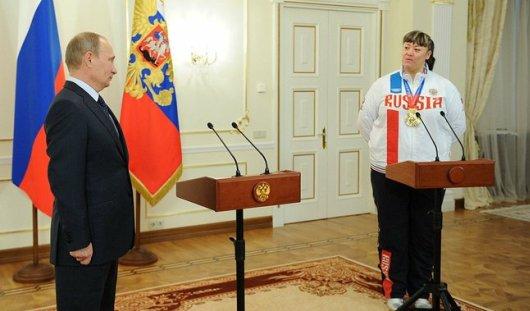 Владимир Путин встретился с сумоистками из Воткинска