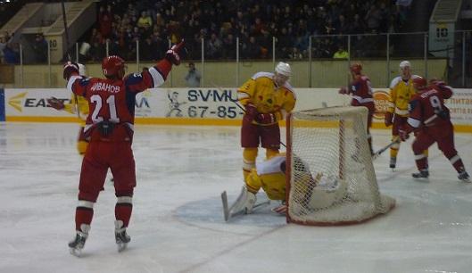«Ижсталь» выиграла у липецких хоккеистов со счетом 4:2