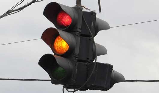 В Ижевске отключены светофоры на двух перекрестках