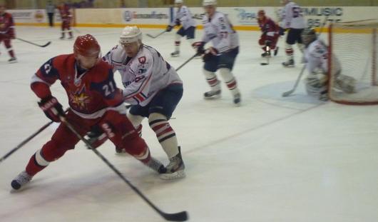 Разгромное поражение потерпела «Ижсталь» от саратовских хоккеистов