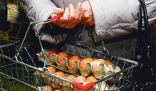 Почему в ижевских магазинах растут цены на яйца