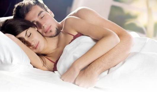 Ученые составили идеальный распорядок дня и советуют начинать день с секса