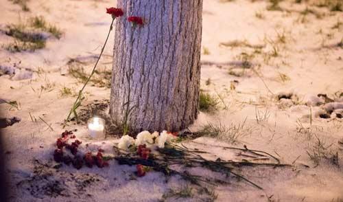 Фотофакт: в Ижевске зажгли свечи в память о погибших в ДТП