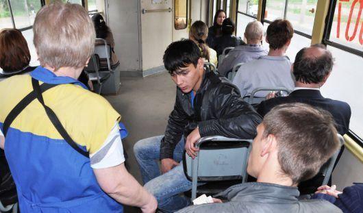 Кондуктор из Ижевска за несколько дней похитила 32 тысячи рублей
