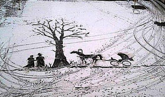 Рисунки метлой на снегу и битый битой троллейбус: о чем говорят в Ижевске