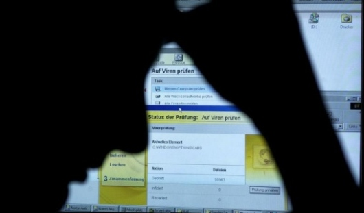 Хакеры украли более 2 миллионов паролей из соцсетей