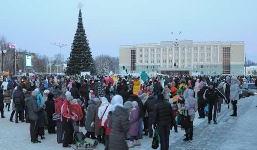 Огни на главной елке Ижевска зажгут в ближайшую субботу