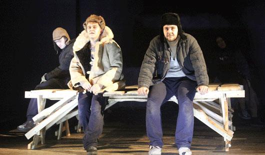 Спектакль о заключенных в ижевском театре: джаз и трехмерные декорации