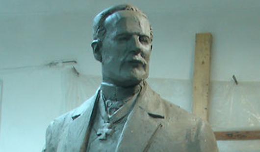 Скульптор из Ижевска сделает 2-метровый памятник для Пермского края