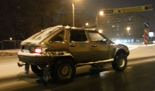 Фотофакт: по улицам Ижевска разъезжает монстр-мобиль