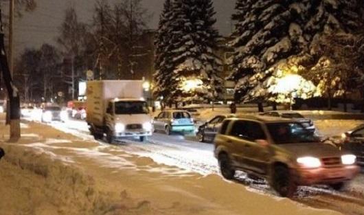 Ад на дорогах и привередливые мандрилы: о чем говорят в Ижевске этим утром